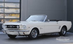 Ford Mustang Cabrio weiß